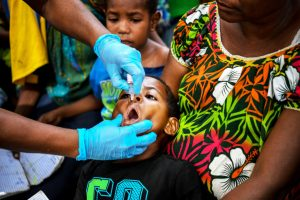 Polio vaccine being administered in Papua New Guinea